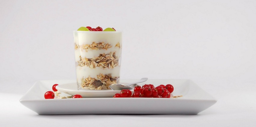 yogurt and fruit parfait for pregnancy
