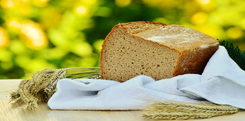 loaf of whole grain bread for a healthy heart