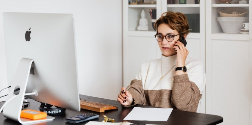 Side Hustle Tips: How to Freelance When You Have a Full-Time Job