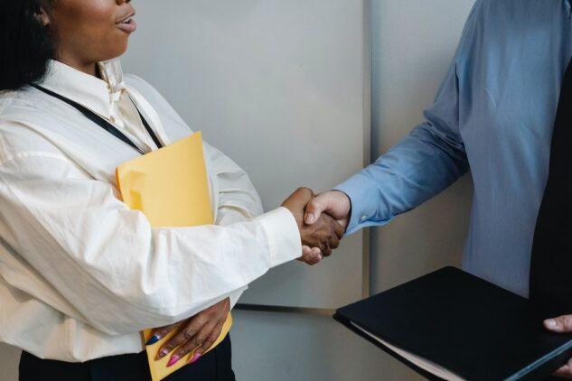 7 Ways Freelance Writers Can Negotiate Like a Boss