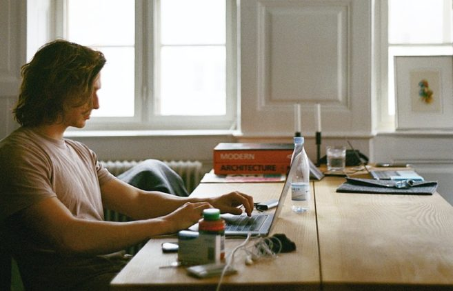 Should Freelancers Lower Their Rates During This Economic Downturn?